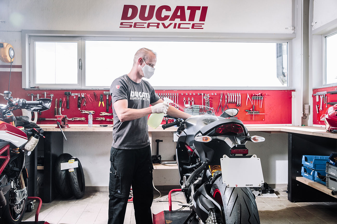 Ducati: tre mesi la garanzia e aggiornamenti software gratuiti